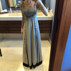 Hoss Intropia Taupe Gown 36 fits an XS